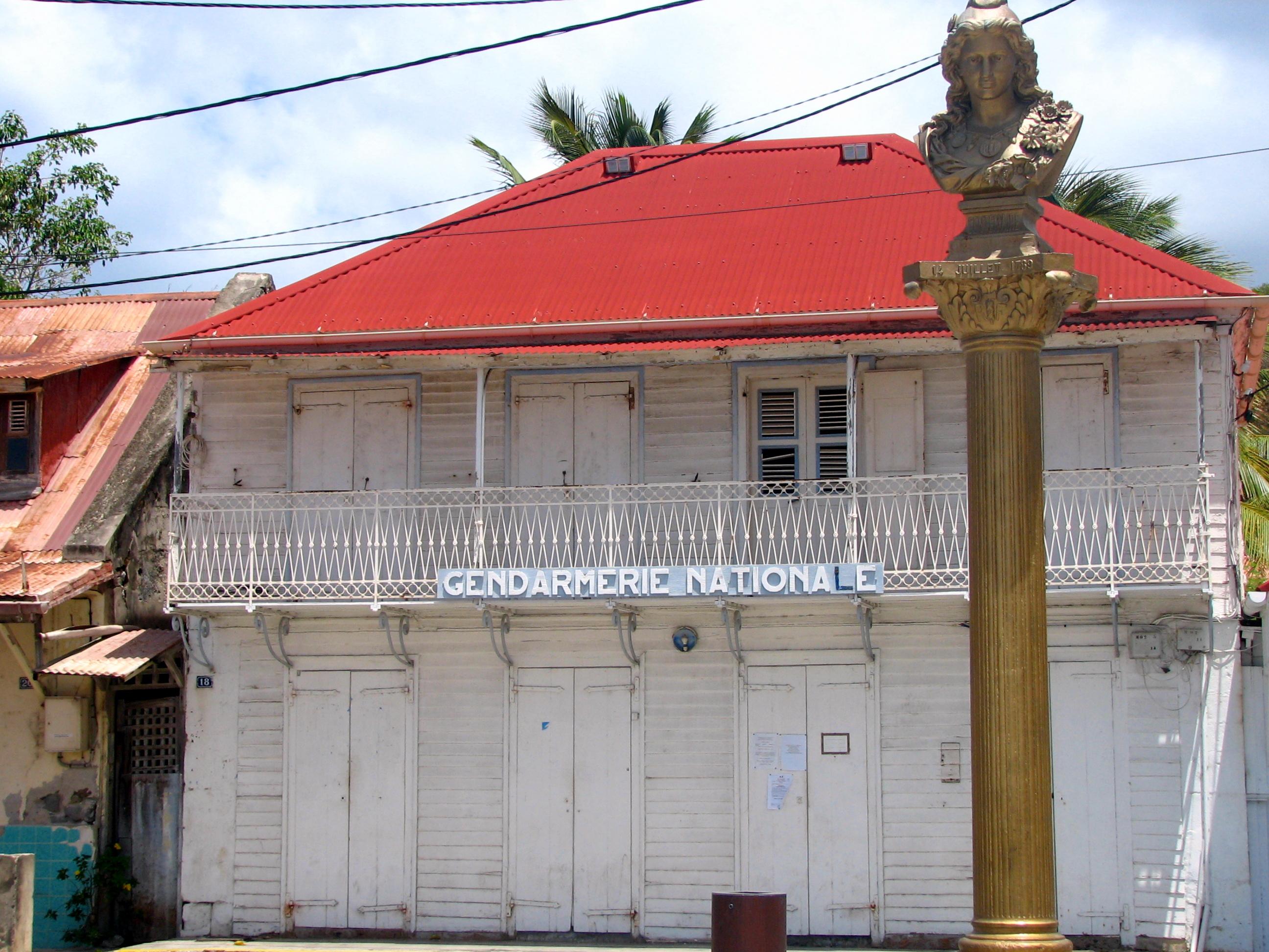 antilles-saintes-tropical-house-gendarmerie-nationale-pixtii-image-stock